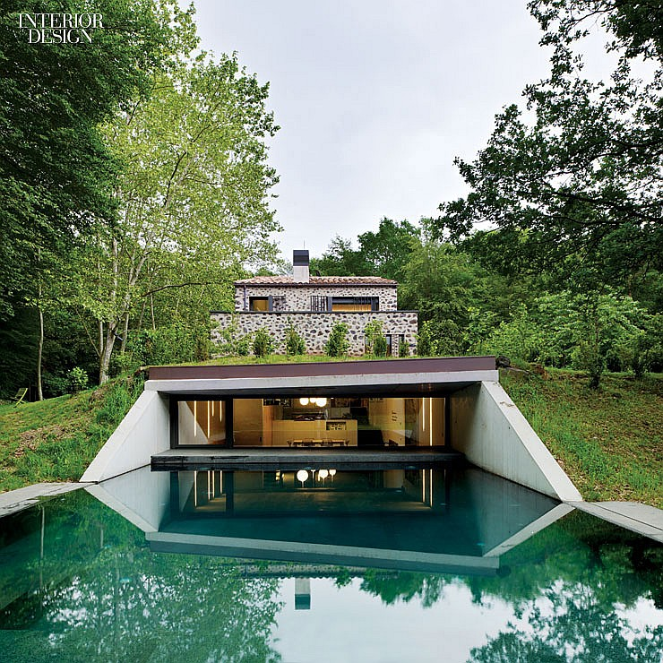 thumbs_21615-pool-santa-pau-house-sausriballonch-architects-0214.jpg.1064x0_q90_crop_sharpen