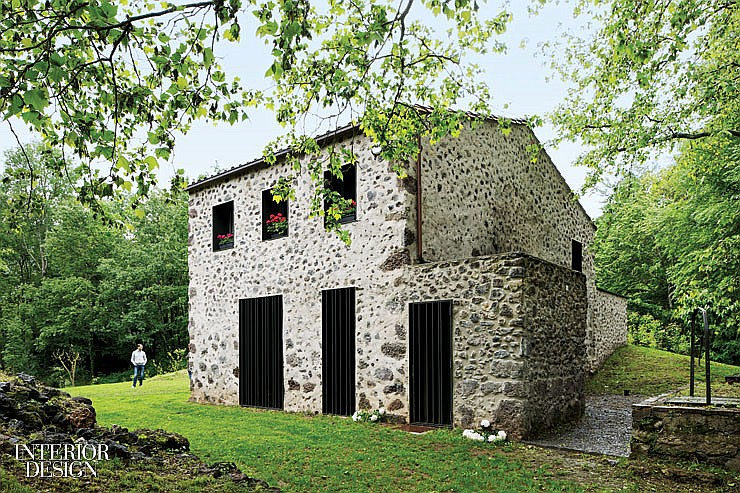 thumbs_2460-exterior-santa-pau-house-sausriballonch-architects-0214.jpg.1064x0_q90_crop_sharpen