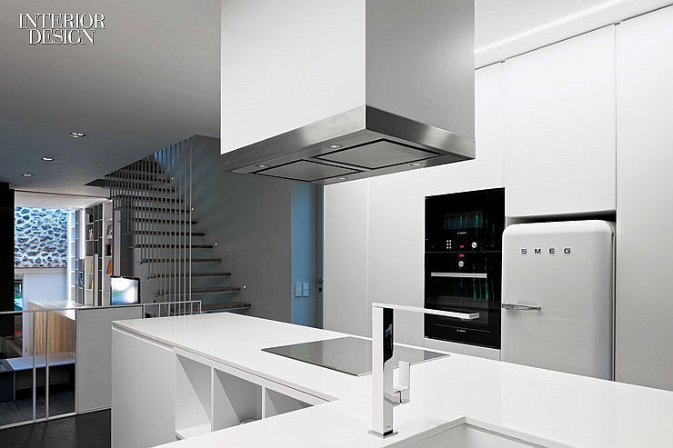 thumbs_48461-kitchen-counters-santa-pau-house-sausriballonch-architects-0214.jpg.1064x0_q90_crop_sharpen