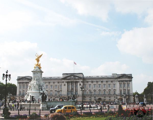 buckingham-palace-london-moscaluna