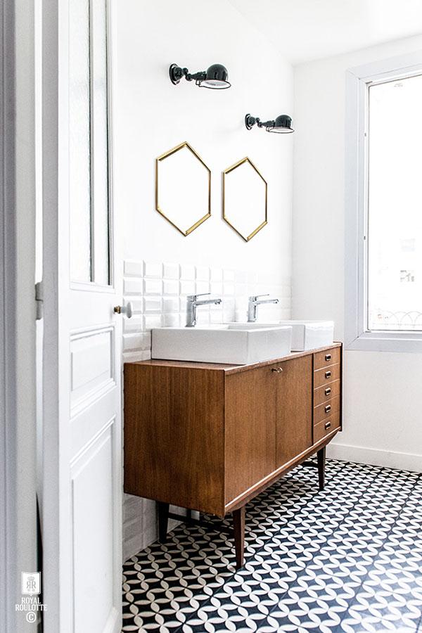 vintage-bathroom